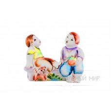 На лавочке (дети) скульптурка 1 сорт